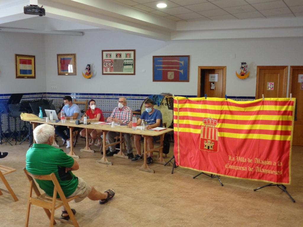 Bandera regalada por el Ayuntamiento de Alagón a la Comparsa de Alagoneses, con motivo del 50 aniversario